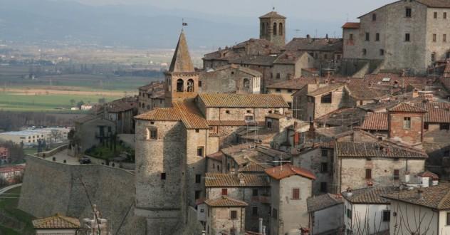 La Valtiberina Toscana: Sansepolcro, Anghiari, il rinascimento artistico e la tradizione toscana