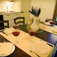 agriturismo-bio-appartamento-cucina-toscana