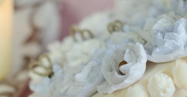 Riciclo creativo & Eco-Design in Toscana: la scatola con fiori di carta riciclata